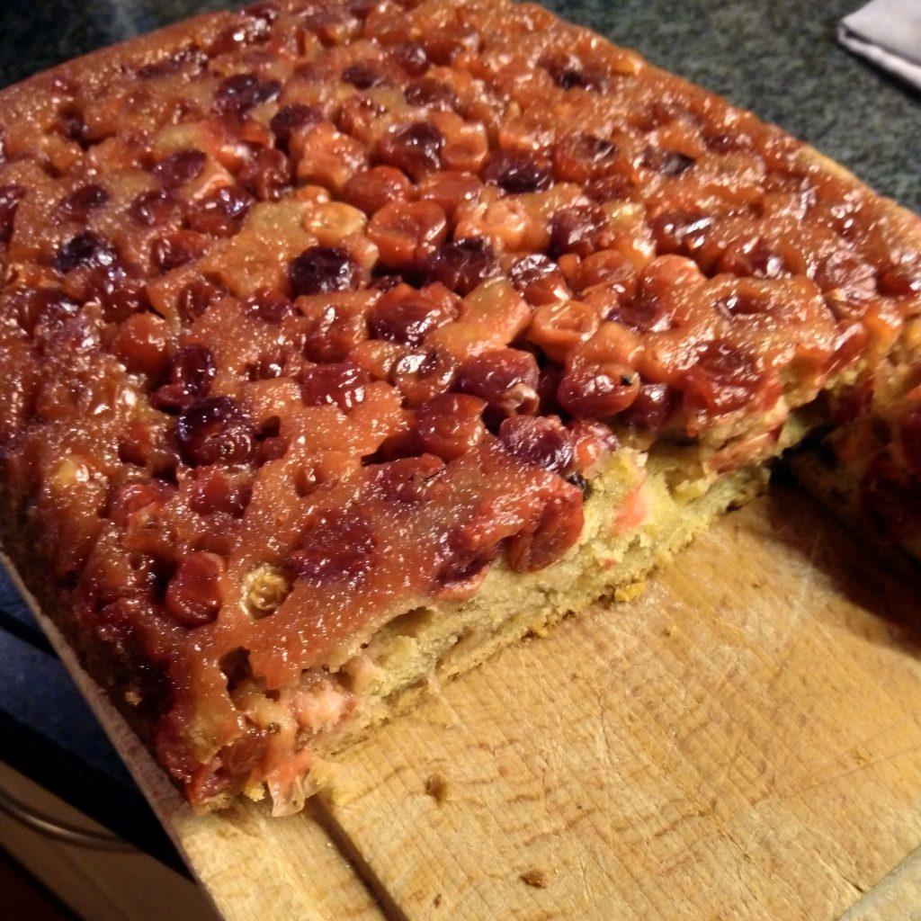 Omgekeerde cranberry cake